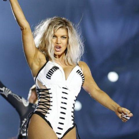 Fergie lança oficialmente o álbum 'Double Dutchess'