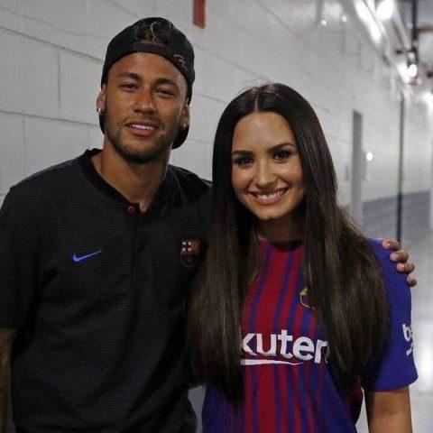 Neymar pode participar de próximo clipe de Demi Lovato