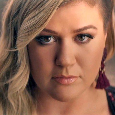 "Ouça ""Meaning of life"", novo álbum de Kelly Clarkson"