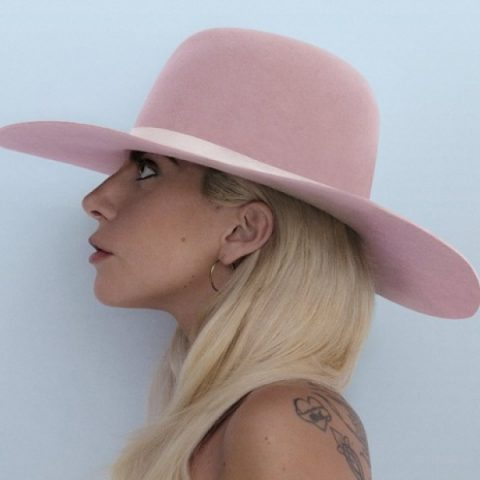 "Lady Gaga retoma ensaios para a turnê ""Joanne"""