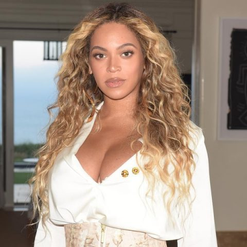 Beyoncé perde o posto de celebridade com foto mais curtida em redes sociais