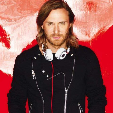 "David Guetta lança lyric vídeo de ""Mad Love"""