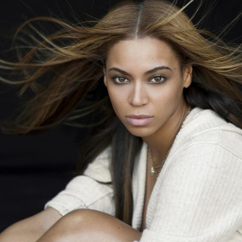 "Beyoncé divulga versão inédita de ""Sweet Dreams"""