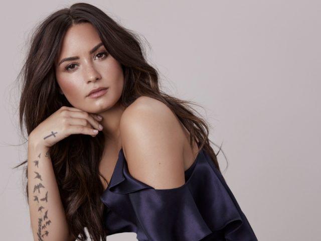 "Demi Lovato lança vídeo promocional de ""Tell Me You Love Me"""