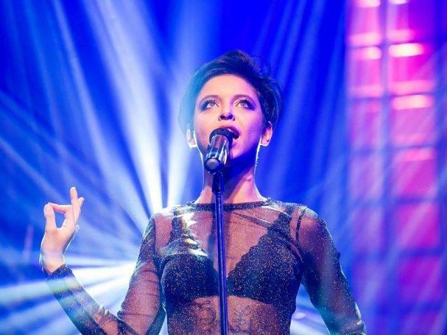 """Kell Smith, do sucesso """"Era Uma Vez"""", lançou o clipe de """"Mudei"""""""