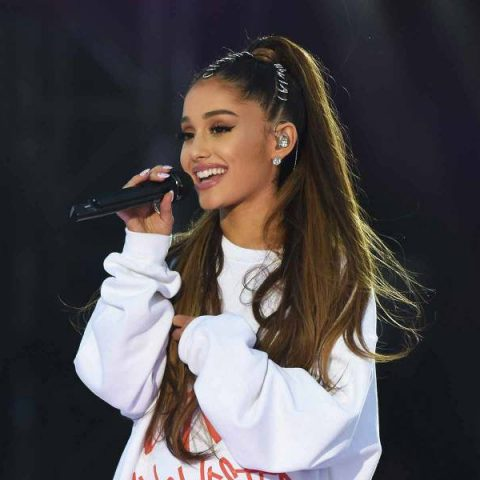 "Ariana Grande lança ""No Tears Left to Cry"""