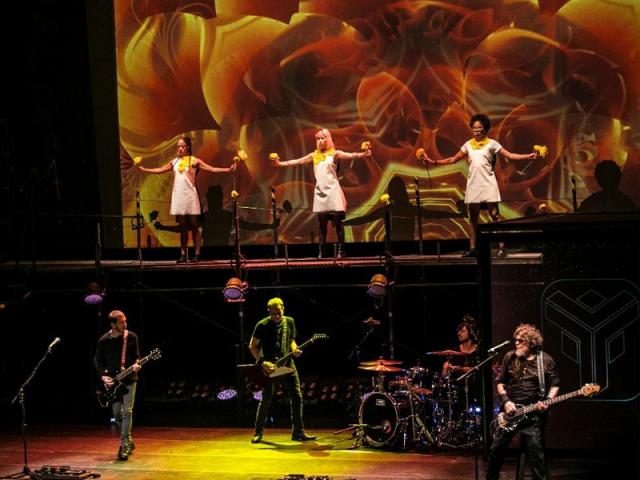 """Titãs escolhe Dia Mundial do Rock para lançar trailer de """"Doze Flores Amarelas"""""""