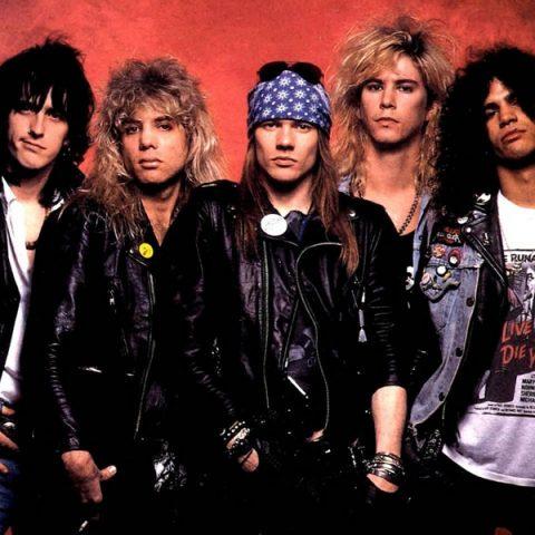 "Guns N Roses bate recorde de views no Youtube com ""November Rain"""