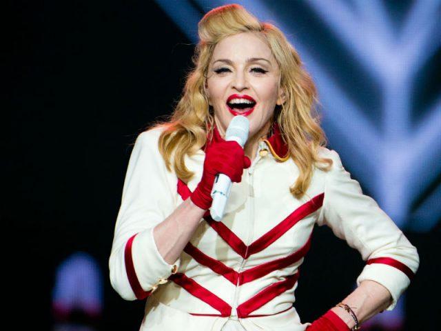 """Single """"Medellin"""" de Madonna conquista o numero um na Billboard"""