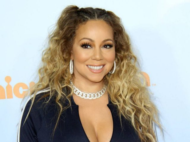 """Mariah Carey lança """"Caution"""", seu 15° álbum de carreira"""