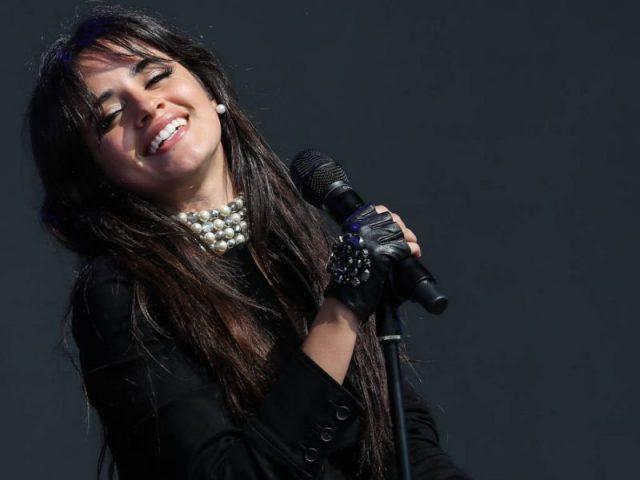 Camila Cabello anuncia pausa em seus trabalhos