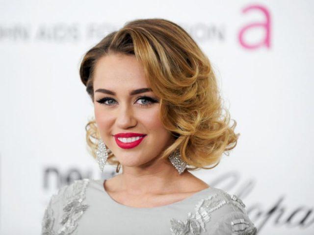 """""""Slide Away"""" nova música de Miley Cyrus é lançada hoje"""