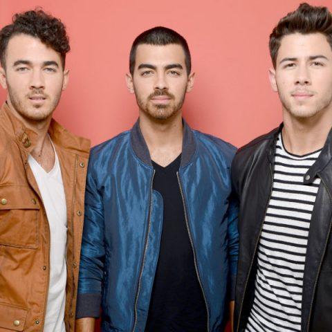 Segundo a revista US Weekly, Jonas Brothers podem ter retorno
