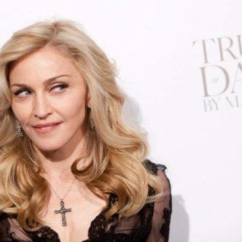 "Madonna divulga trecho da música ""Human Nature"", no twitter"