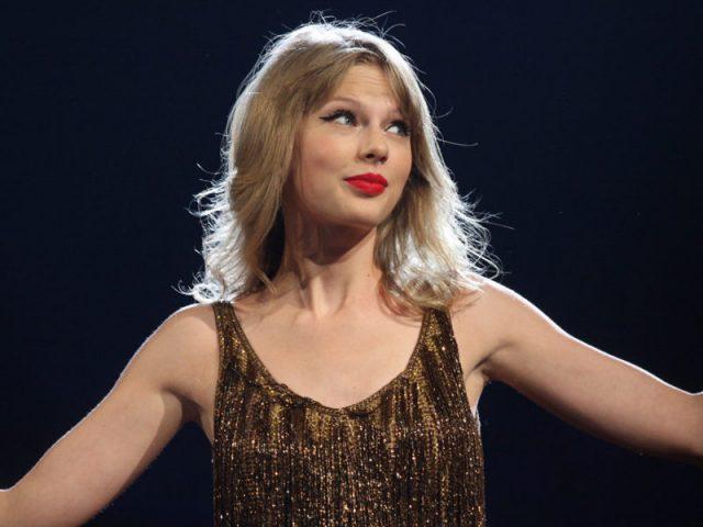 """Taylor Swift libera """"Lover"""", faixa-título de seu próximo álbum"""