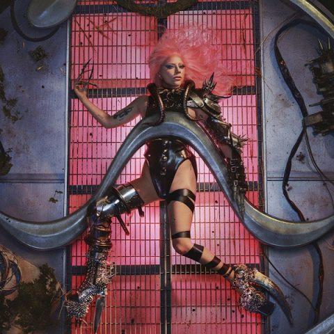 """""""CHROMATICA"""" está entre nós! Lady Gaga lança sexto disco da carreira todo autoral"""