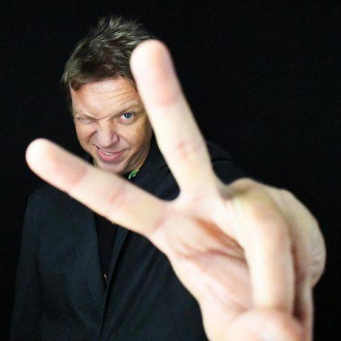 Vinny é o novo vocalista da banda LS Jack