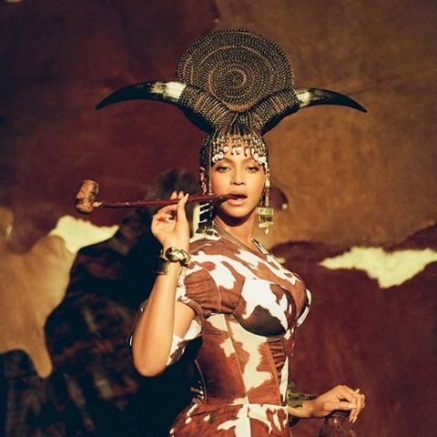 "Beyoncé lança ""Black is King"" e novo single ""Already"""