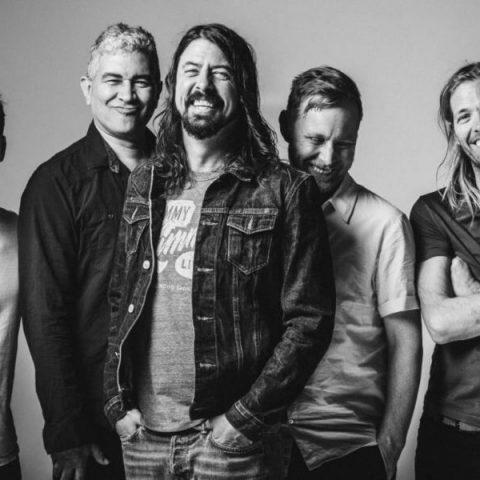 Foo Fighters se une à Vans e lança tênis em comemoração aos 25 anos de banda