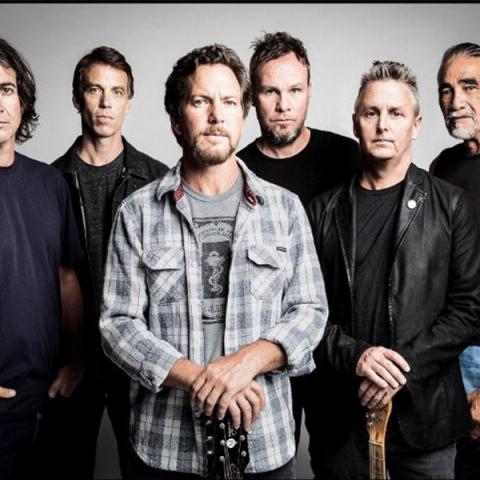 "Pearl Jam lança novo single ""Get It Back"" com objetivo social"