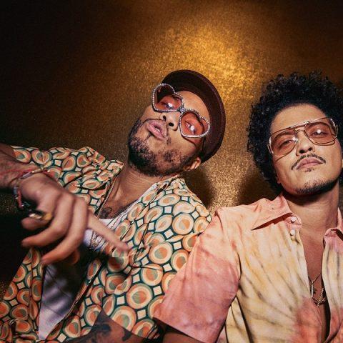 "Bruno Mars e Anderson .Paak lançam ""Skate"" do projeto Silk Sonic"