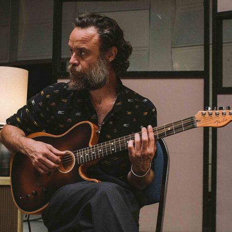 Rodrigo Amarante anuncia nova música solo