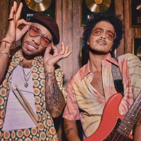 Billboard divulga as 50 melhores músicas de 2021, até agora